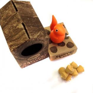 Держатель магнитов Magnetic Squirrel & Acorn Qualy Оражевый