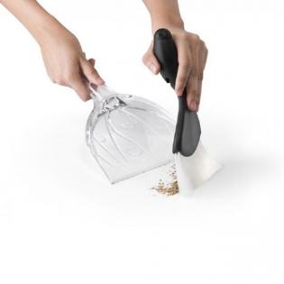 Совок и щетка для уборки Sweepie Sparrow Qualy Черный
